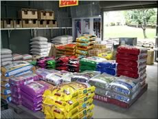 Pet & Stock Feeds from Sun Valley Produce, Blue Mountains & Penrith.